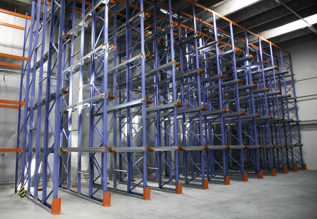 products.shelves.gallery-02