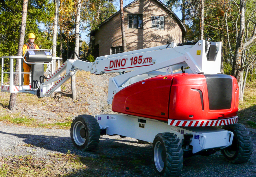 products.aerial.self-propelled-(185, dinolift, xts)-01