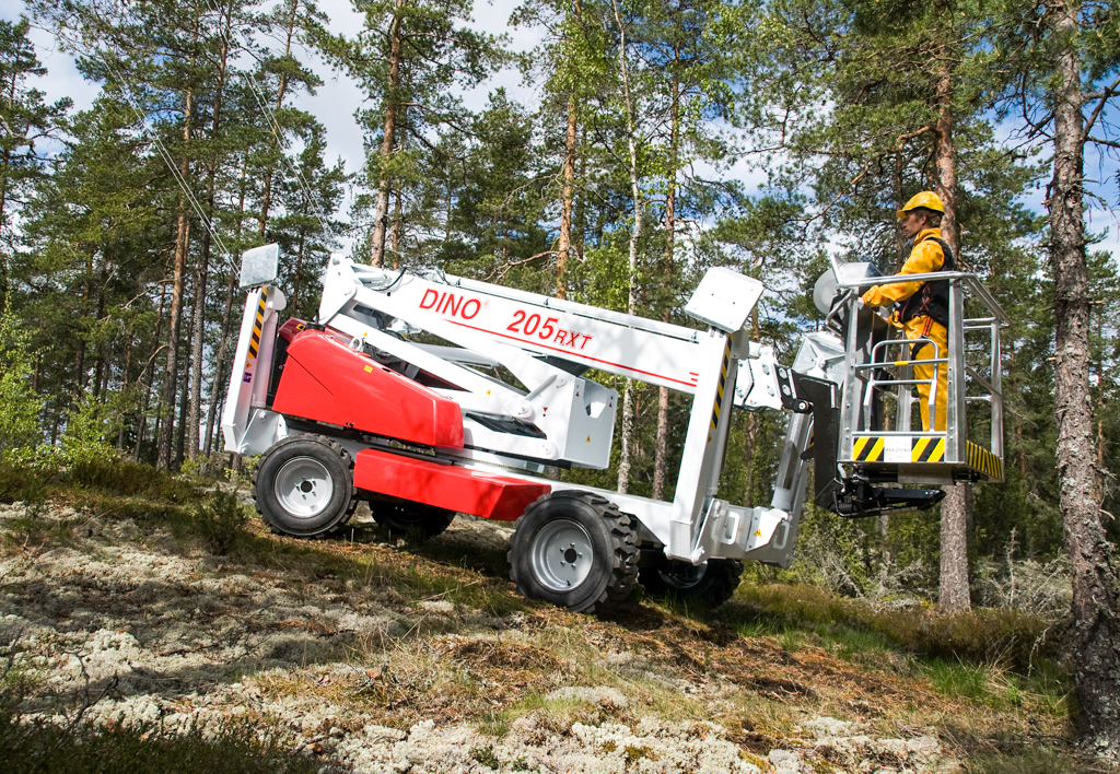 products.aerial.self-propelled-(205, dinolift, rxt)-01