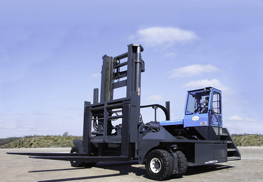 products.forklifts.4-way.gallery-(c, combilift)-06