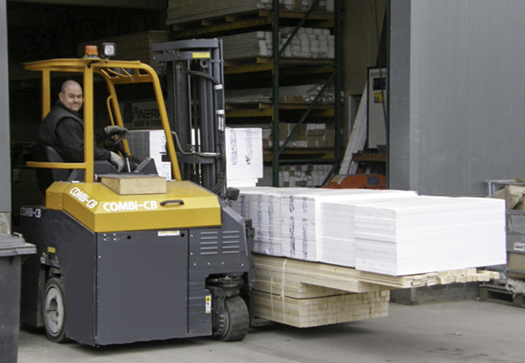products.forklifts.4-way.gallery-(cb, combilift)-02