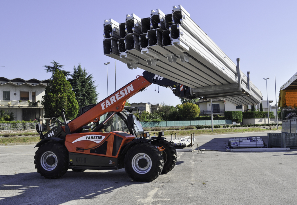 products.forklifts.counterbalanced.gallery-(faresin)-03
