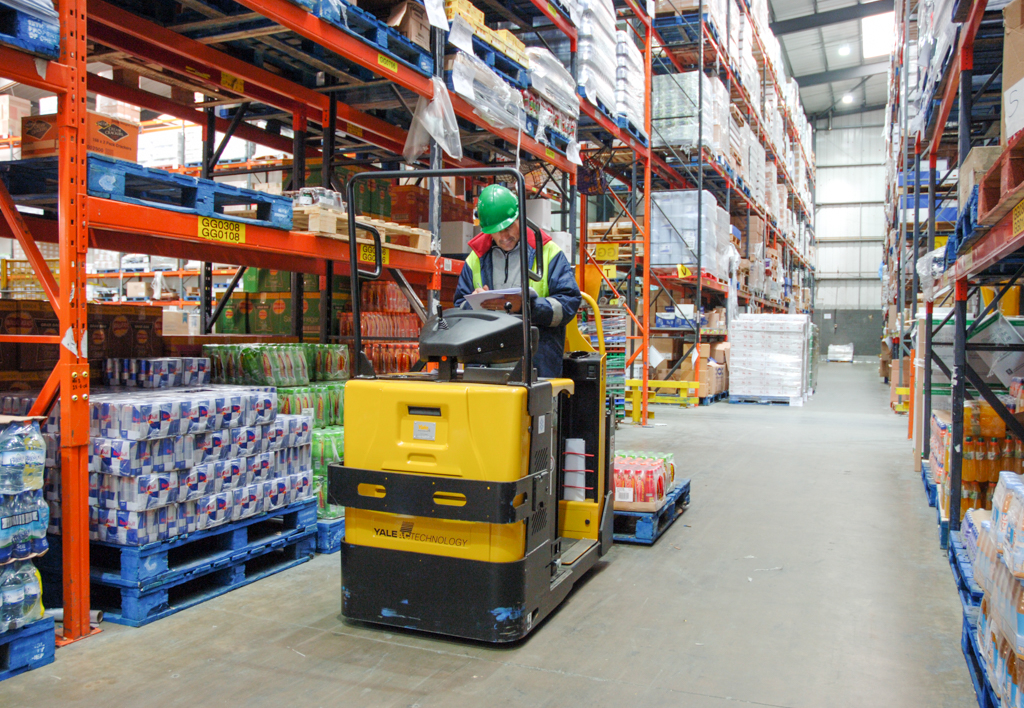 products.forklifts.order-pickers-(yale, mo)-03