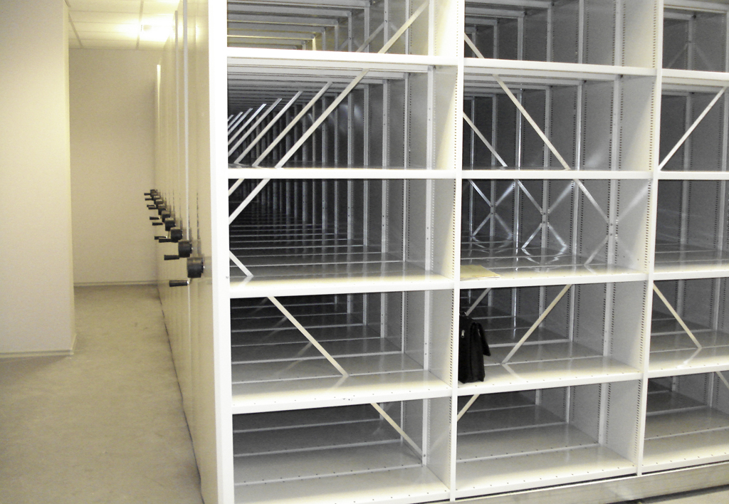 products.shelves.frame-shelf.gallery-(kasten)-01