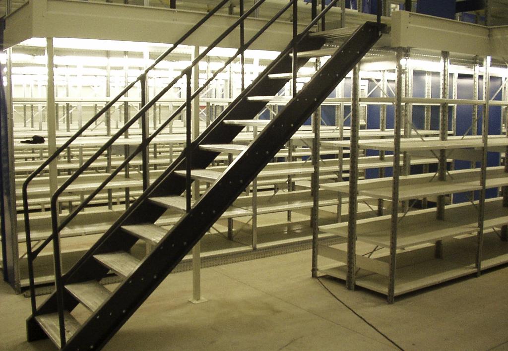 products.shelves.multi-tier.gallery-(kasten)-01