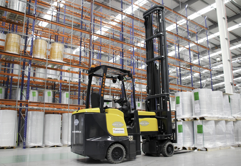 products.forklifts.articulated.gallery-(combilift aisle master)-02