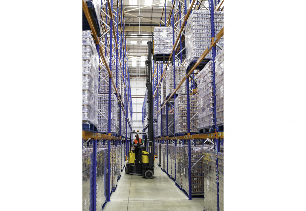 products.forklifts.articulated.gallery-(combilift aisle master)-05