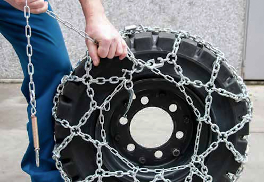 products.components.tyres.snow-chains.gallery-(snow chains)-03
