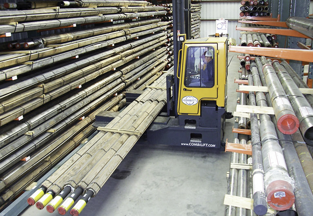 products.forklifts.4-way.gallery-(c, combilift)-03