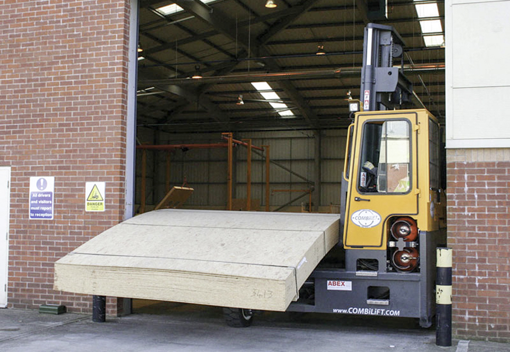 products.forklifts.4-way.gallery-(c, combilift)-07