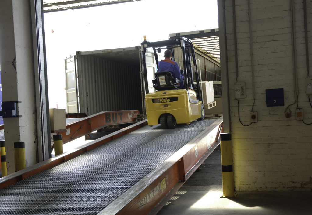 products.forklifts.counterbalanced.gallery-(16, vt, yale)-01