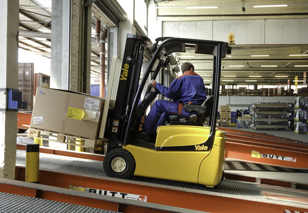 products.forklifts.counterbalanced.gallery-(16, vt, yale)-02