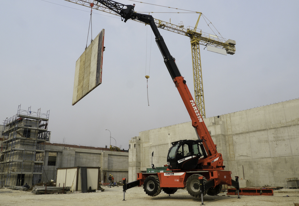 products.forklifts.counterbalanced.gallery-(faresin)-01