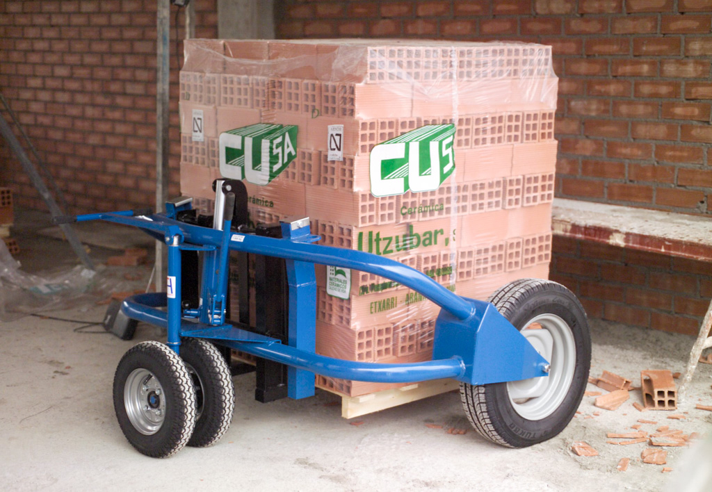 products.forklifts.rough-terrain-pallet-trucks-(conhersa, h2)-01