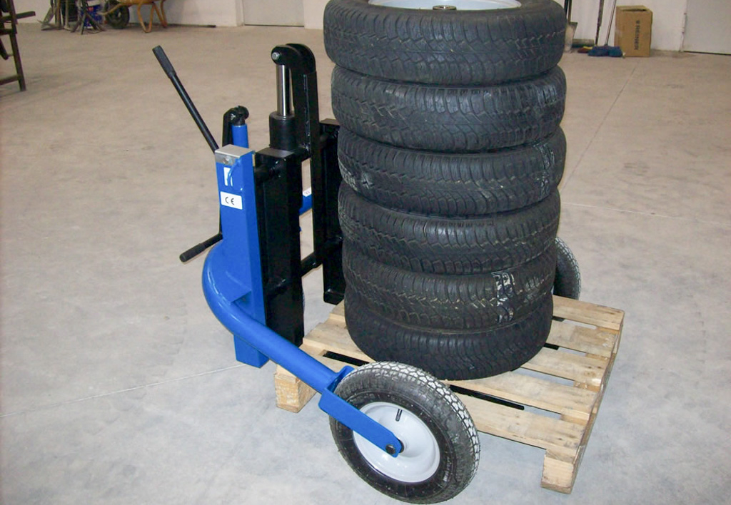 products.forklifts.rough-terrain-pallet-trucks-(conhersa, m500)-01