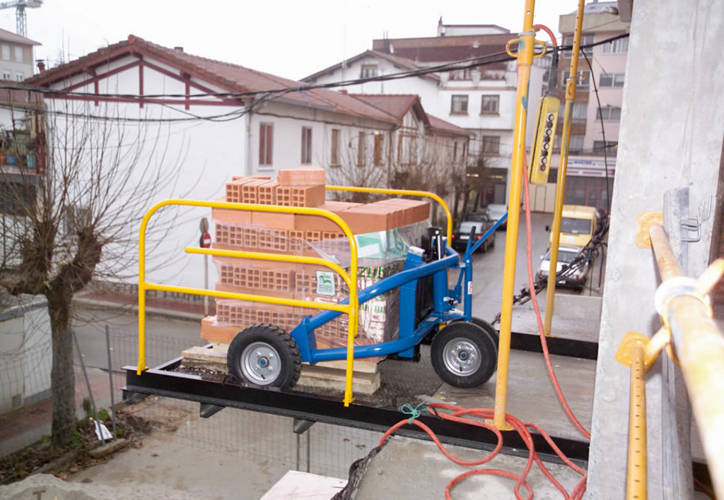 products.forklifts.rough-terrain-pallet-trucks-(conhersa, nh1)-01