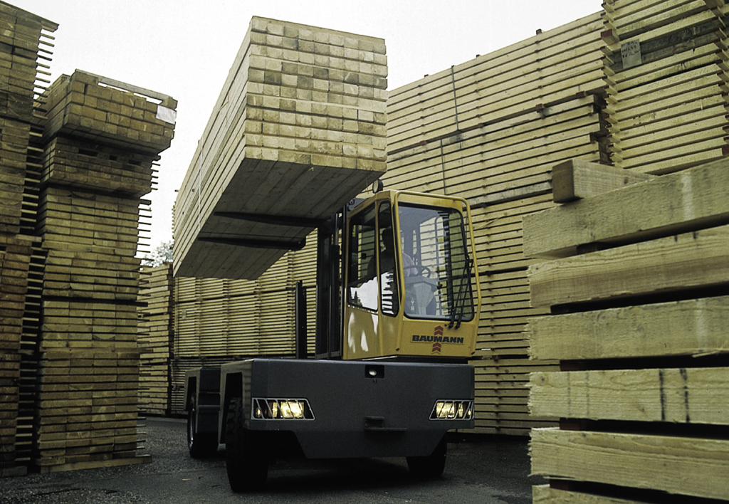 products.forklifts.sideloaders.gallery-(baumann)-01