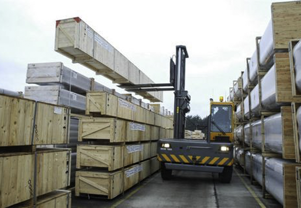 products.forklifts.sideloaders.gallery-(baumann)-02