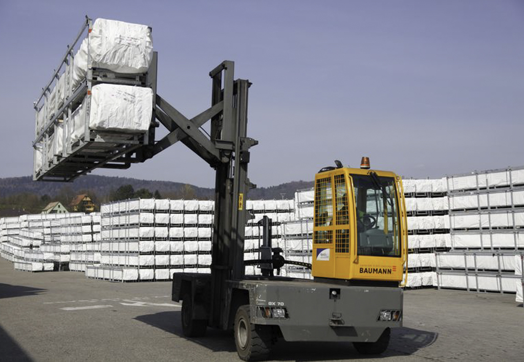 products.forklifts.sideloaders.gallery-(baumann)-03