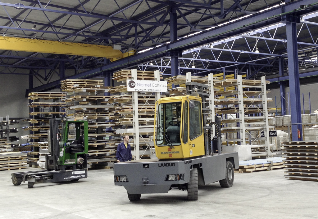 products.forklifts.sideloaders.gallery-(baumann)-04
