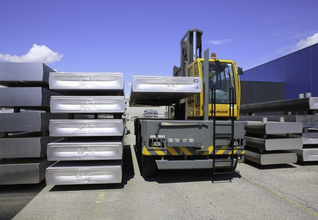 products.forklifts.sideloaders.gallery-(baumann)-05