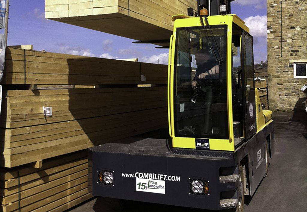 products.forklifts.sideloaders.gallery-(combilift, sl4)-01
