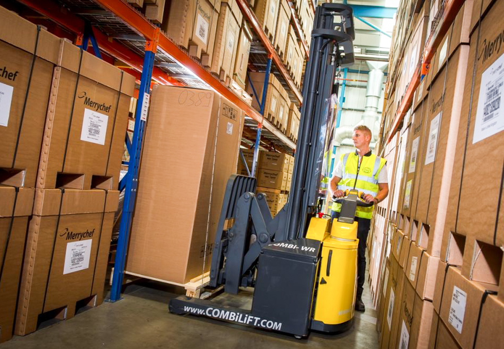products.forklifts.stackers-(combilift, wr)-01