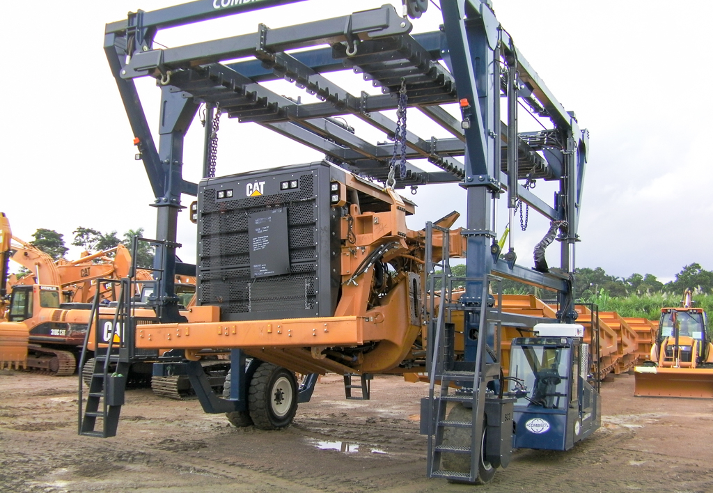products.forklifts.straddle-carriers-(combilift, straddle carrier)-02