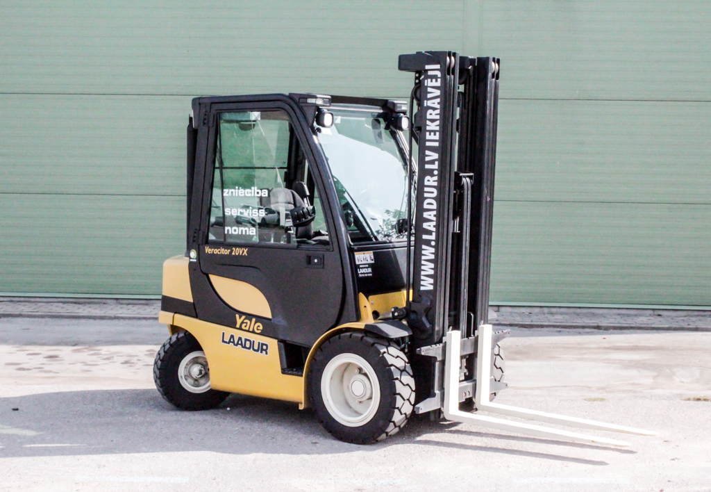 products.forklifts.used-(0347)-01