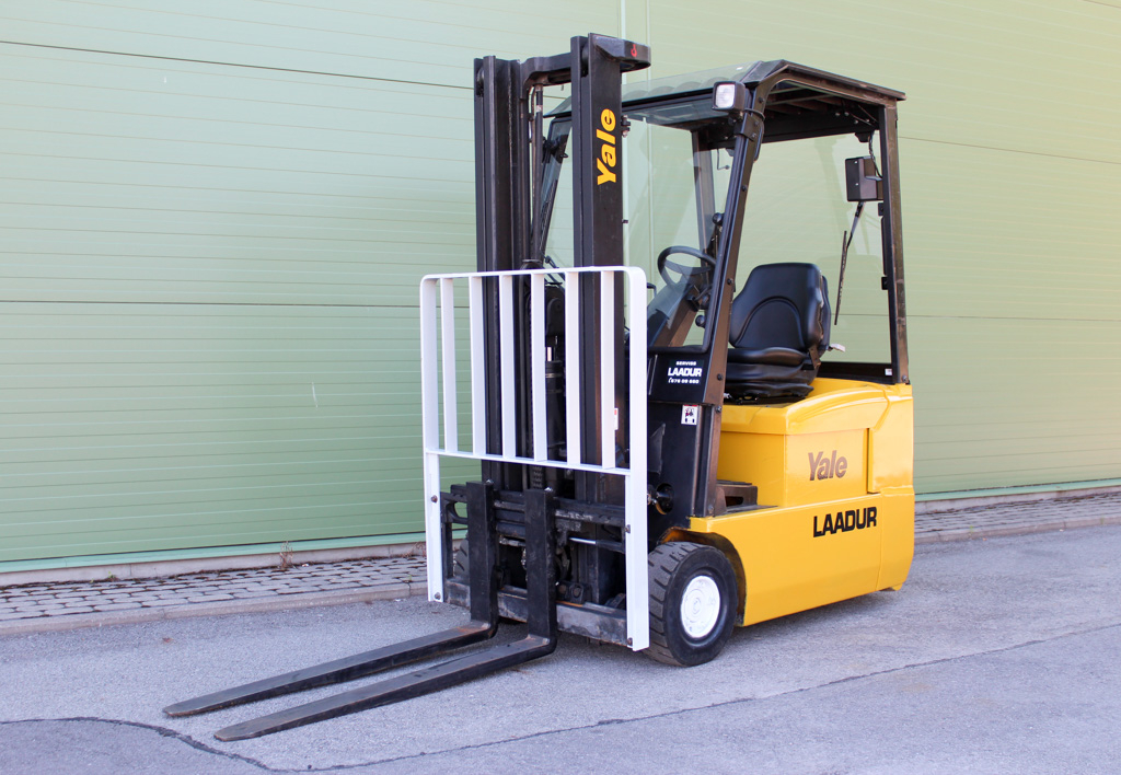 products.forklifts.used-(R250)-01