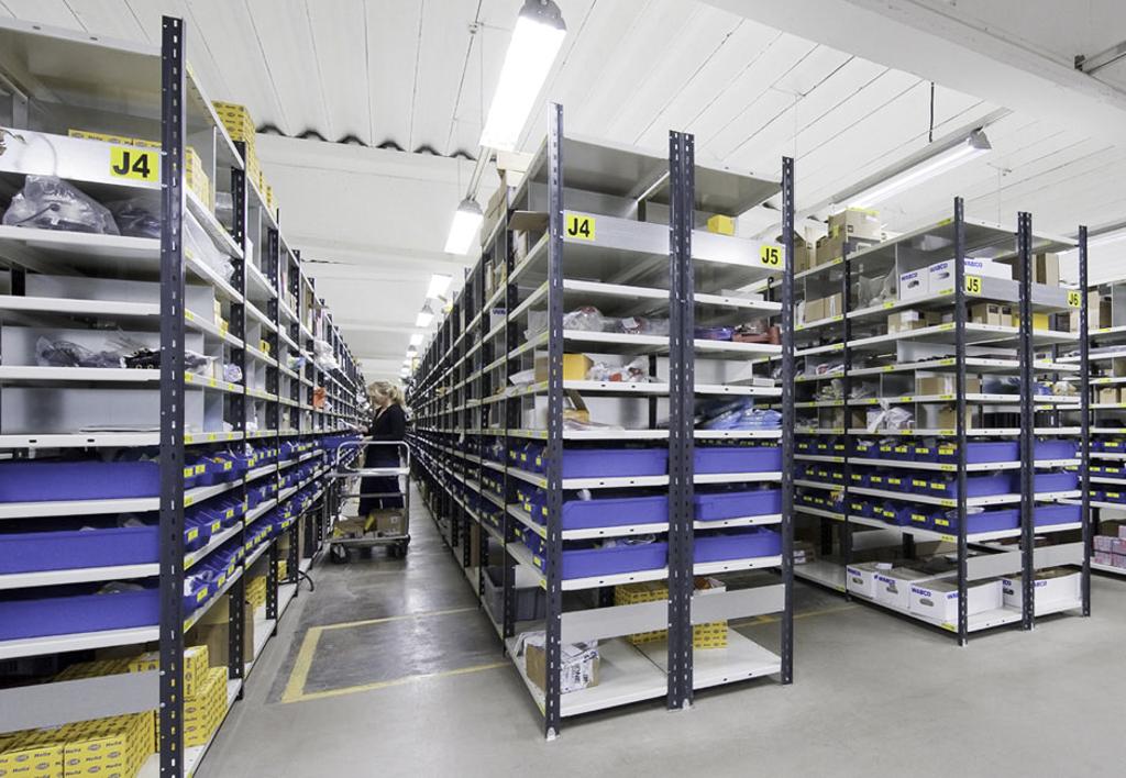 products.shelves.frame-shelf.gallery-(kasten)-03