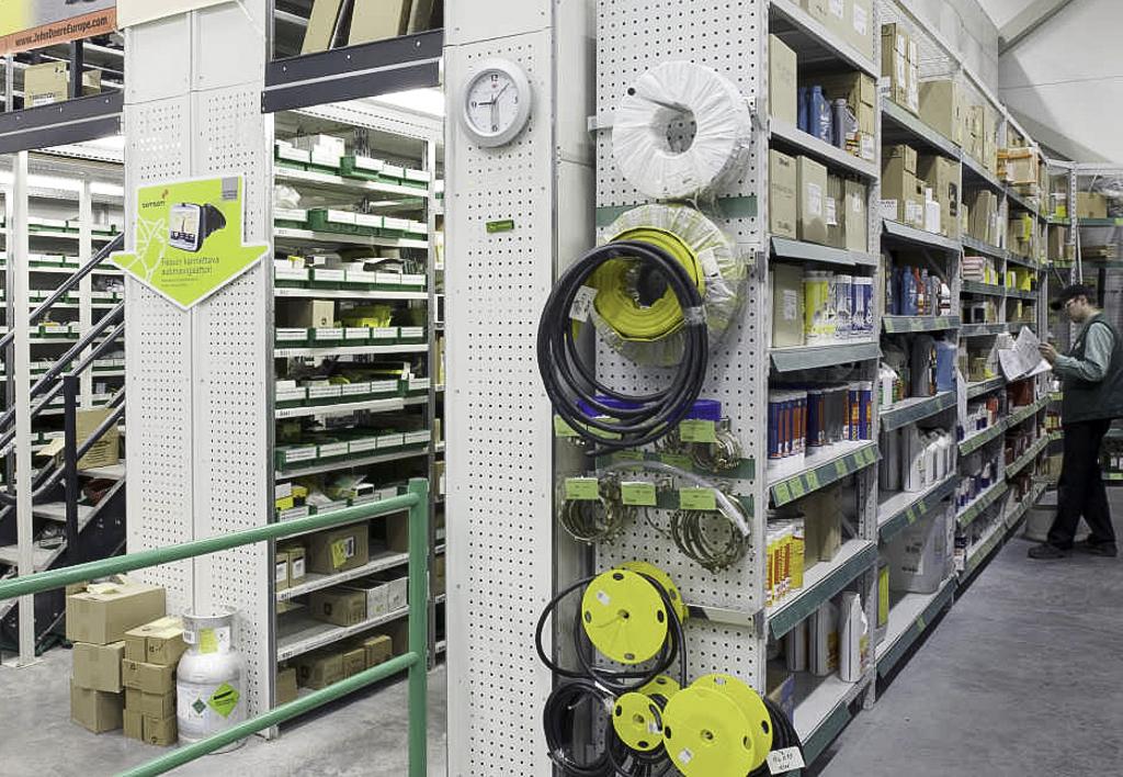 products.shelves.frame-shelf.gallery-(kasten)-11