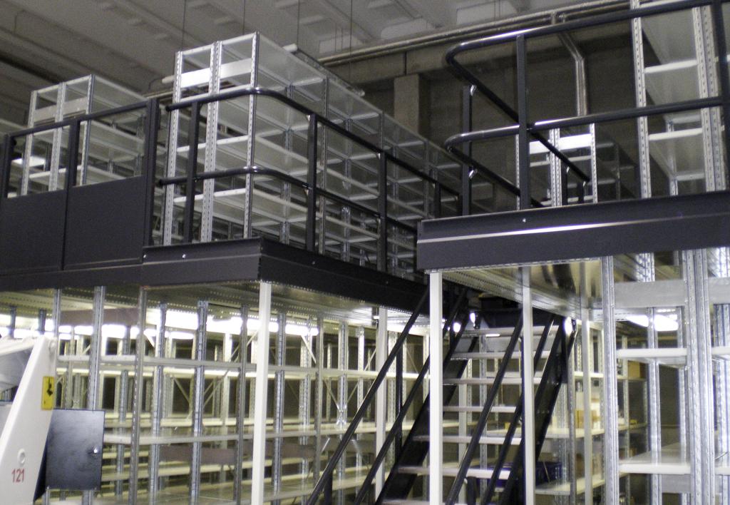 products.shelves.multi-tier.gallery-(kasten)-02