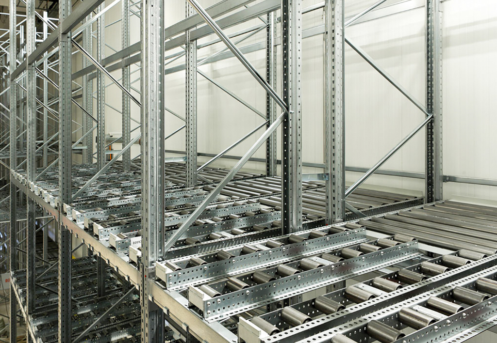 products.shelves.push-back-()-03