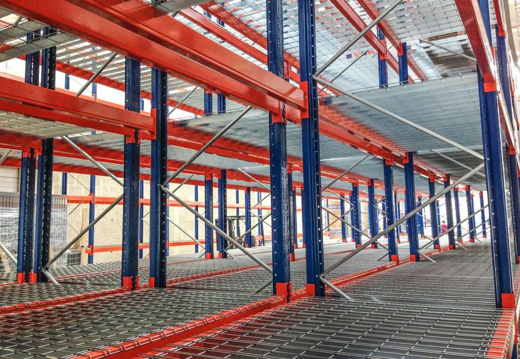 products.shelves.wire-mesh-decking-(Garantell)-04