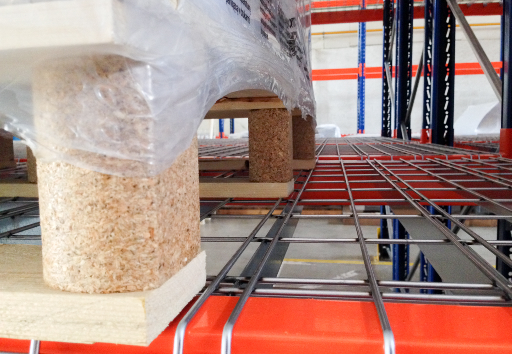 products.shelves.wire-mesh-decking-(Garantell)-05