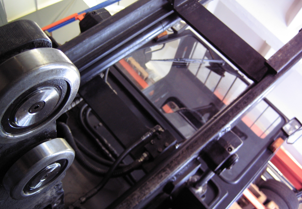 services.maintenance.engine-repairs.gallery-(laadur, service)-04