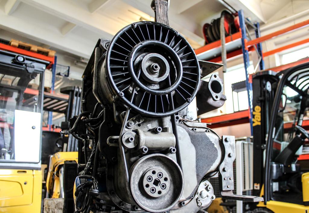 services.maintenance.engine-repairs.gallery-(laadur, service)-12